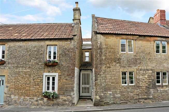 Guide Price £275,000, 3 Bedroom Terraced House For Sale in Bath, BA2