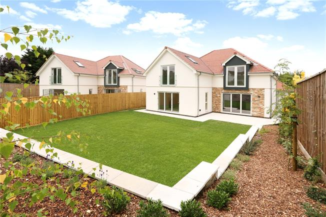 Guide Price £900,000, 5 Bedroom Detached House For Sale in Saltford, Bristol, BS31