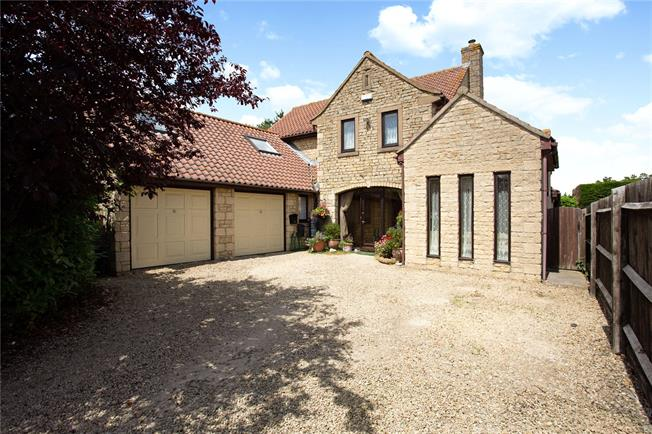 Guide Price £700,000, 4 Bedroom Detached House For Sale in Atworth, SN12