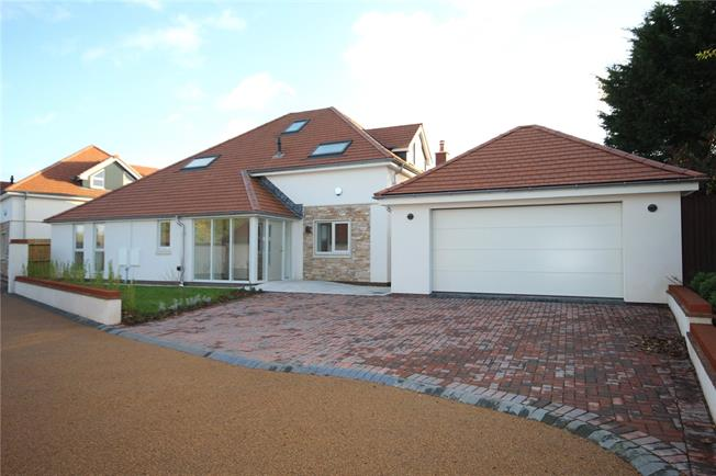 Guide Price £900,000, 5 Bedroom Detached House For Sale in Saltford, Bristol, BS31