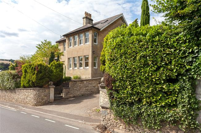 Guide Price £900,000, 5 Bedroom Detached House For Sale in Bath, BA1
