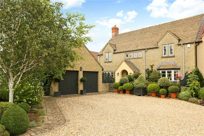 Guide Price £675,000, 5 Bedroom Semi Detached House For Sale in Wiltshire, SN15
