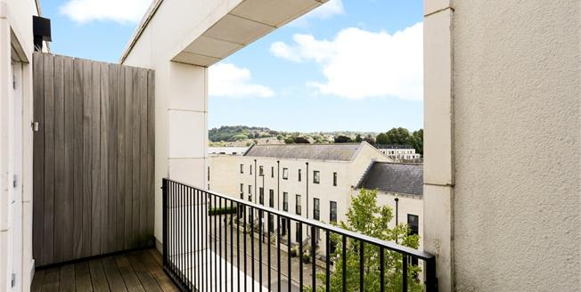 Guide Price £775,000, 4 Bedroom Terraced House For Sale in Bath, BA2