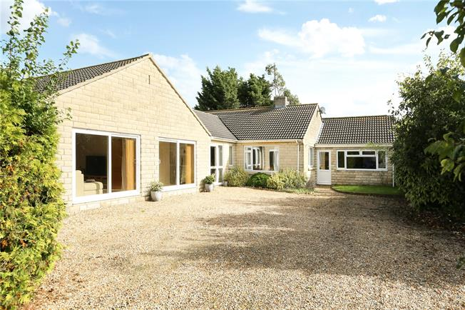 Guide Price £550,000, 4 Bedroom Bungalow For Sale in Wiltshire, SN12