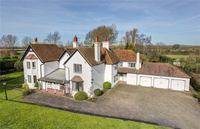 Guide Price £2,500,000, 6 Bedroom Detached House For Sale in Puttenham, HP23
