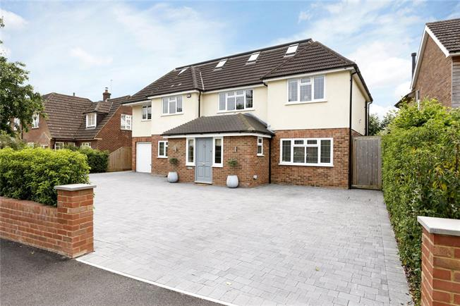 Guide Price £1,695,000, 6 Bedroom Detached House For Sale in Seer Green, HP9