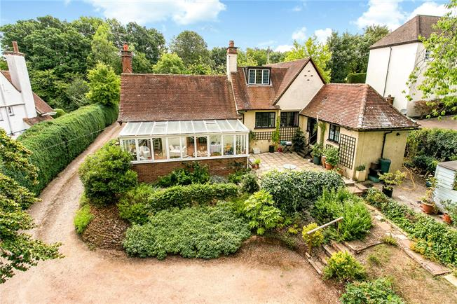 Guide Price £695,000, 4 Bedroom Bungalow For Sale in Buckinghamshire, HP10