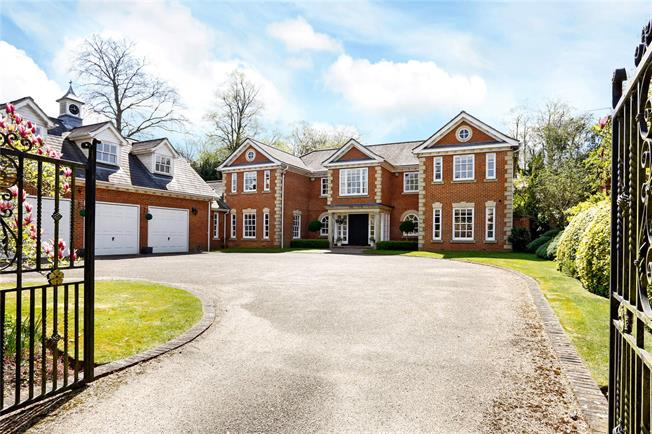 Guide Price £3,595,000, 6 Bedroom Detached House For Sale in Beaconsfield, HP9