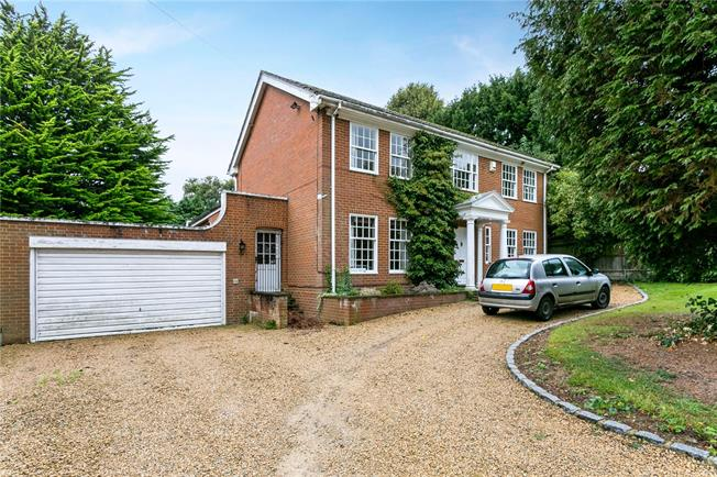 Asking Price £995,000, 4 Bedroom Detached House For Sale in Farnham Royal, SL2