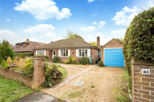 Guide Price £950,000, 3 Bedroom Bungalow For Sale in Beaconsfield, HP9