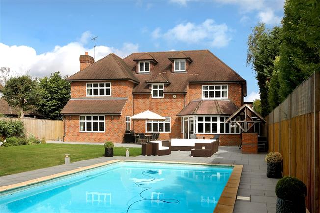 Offers in excess of £2,400,000, 6 Bedroom Detached House For Sale in Buckinghamshire, HP9