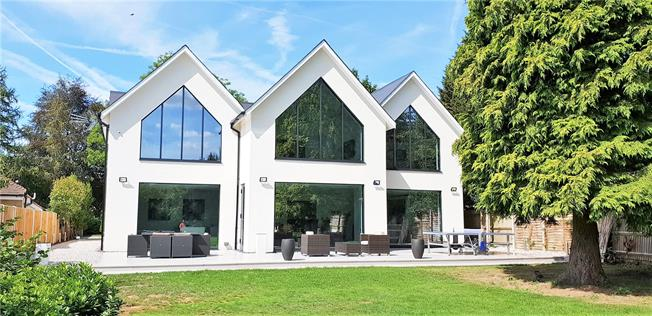 Asking Price £1,750,000, 5 Bedroom Detached House For Sale in Slough, Buckinghamshire, SL2