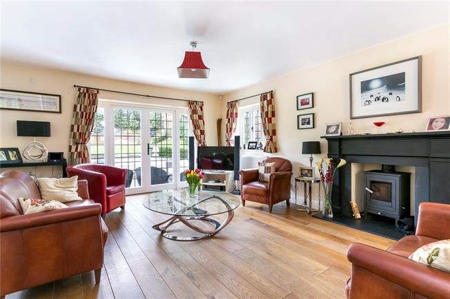 Guide Price £1,495,000, 4 Bedroom Detached House For Sale in Forty Green, HP9
