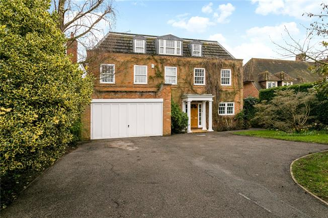 Guide Price £1,650,000, 6 Bedroom Garage For Sale in Beaconsfield, HP9