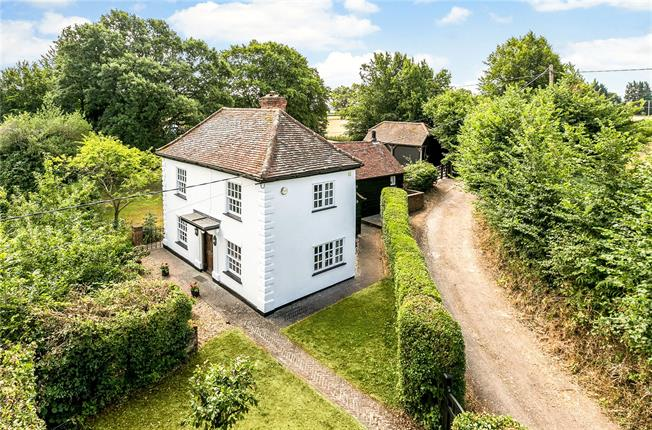 Guide Price £1,000,000, 2 Bedroom Detached House For Sale in Buckinghamshire, HP7