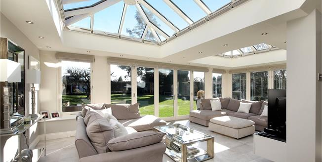 Guide Price £2,895,000, 6 Bedroom Detached House For Sale in Beaconsfield, HP9