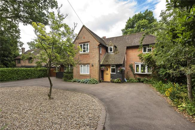 Guide Price £1,195,000, 4 Bedroom Detached House For Sale in Buckinghamshire, HP10
