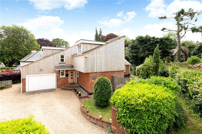 Offers in excess of £945,000, 4 Bedroom Detached House For Sale in Buckinghamshire, HP10