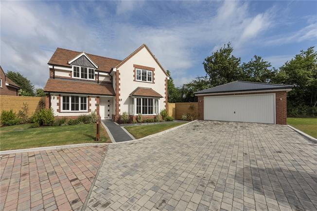 Guide Price £1,295,000, 4 Bedroom Detached House For Sale in Penn, Buckinghamshire, HP10
