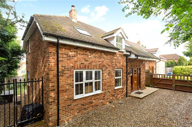 Offers in excess of £700,000, 3 Bedroom Detached House For Sale in Seer Green, HP9