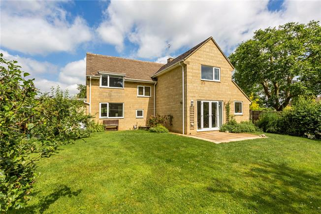 Offers in excess of £450,000, 4 Bedroom Detached House For Sale in Evesham, Gloucestershire, WR11