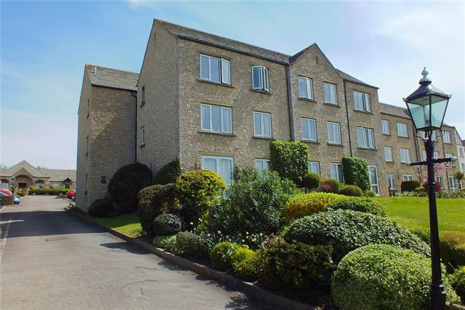 Guide Price £94,000, 1 Bedroom Flat For Sale in Broadway, WR12