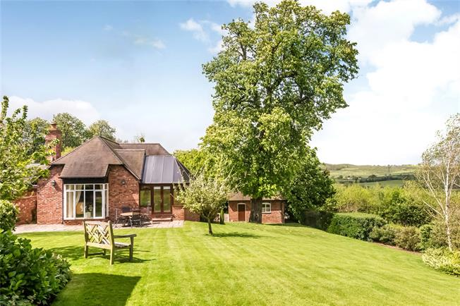 Offers in excess of £645,000, 4 Bedroom Detached House For Sale in Worcestershire, WR11
