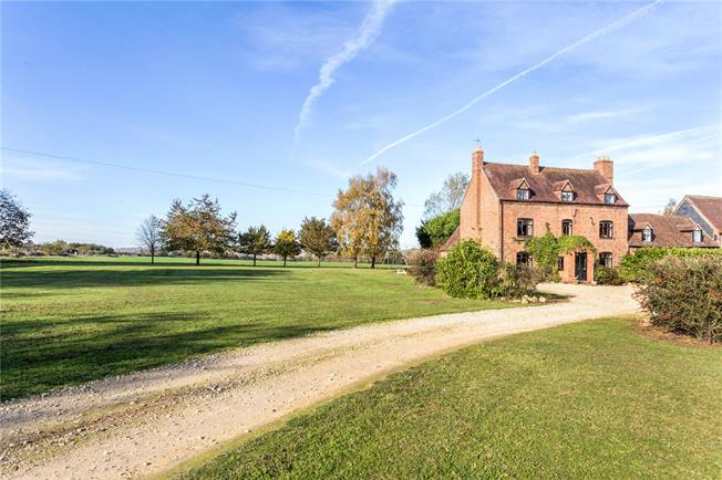 Guide Price £595,000, 4 Bedroom House For Sale in Hampton, WR11