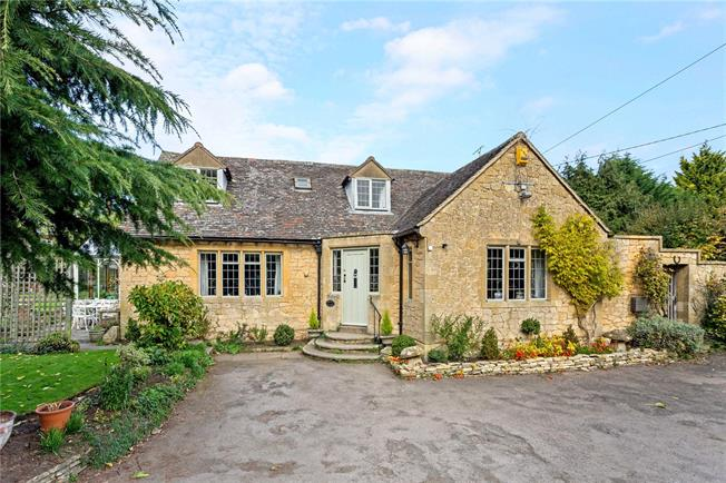 Guide Price £650,000, 4 Bedroom Detached House For Sale in Chipping Campden, Glouces, GL55