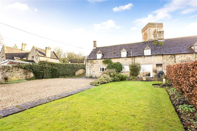 Guide Price £415,000, 2 Bedroom Semi Detached House For Sale in Snowshill, WR12