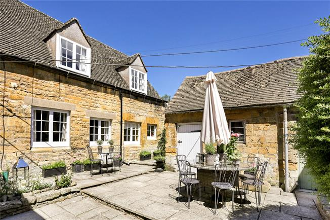 Guide Price £325,000, 2 Bedroom Semi Detached House For Sale in Bourton on the Hill, GL56