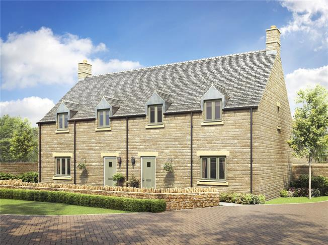 Asking Price £375,000, 3 Bedroom Semi Detached House For Sale in Broadway, Gloucestershire, WR12