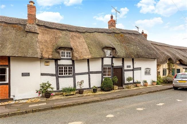 Guide Price £460,000, 2 Bedroom Semi Detached House For Sale in Stratford-upon-Avon, Worc, CV37