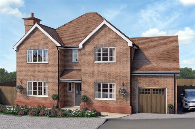 Asking Price £825,000, 4 Bedroom Detached House For Sale in Surrey, CR2