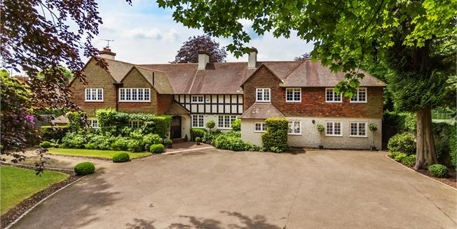 Asking Price £2,500,000, 5 Bedroom Detached House For Sale in Oxted, RH8