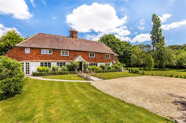 Guide Price £1,000,000, 4 Bedroom Detached House For Sale in Outwood, RH1