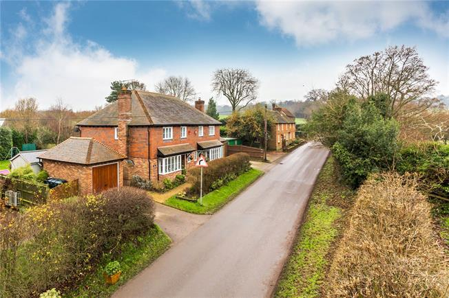 Guide Price £550,000, 3 Bedroom Semi Detached House For Sale in Bletchingley, RH1