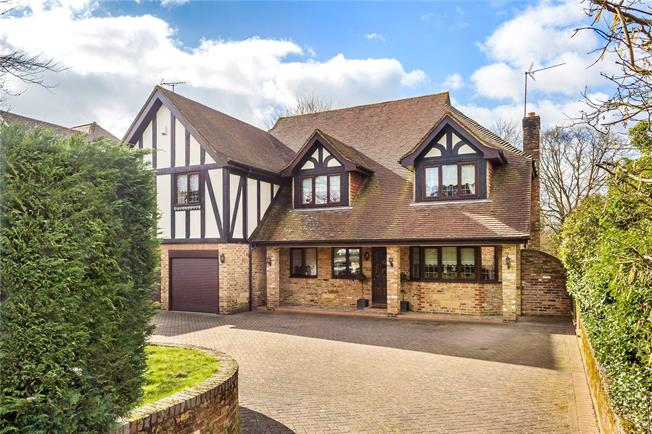 Asking Price £1,250,000, 5 Bedroom Detached House For Sale in Oxted, RH8