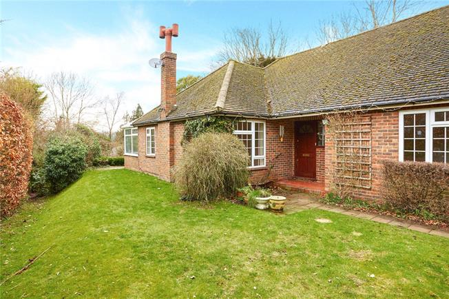 Guide Price £675,000, 3 Bedroom Bungalow For Sale in Caterham, CR3