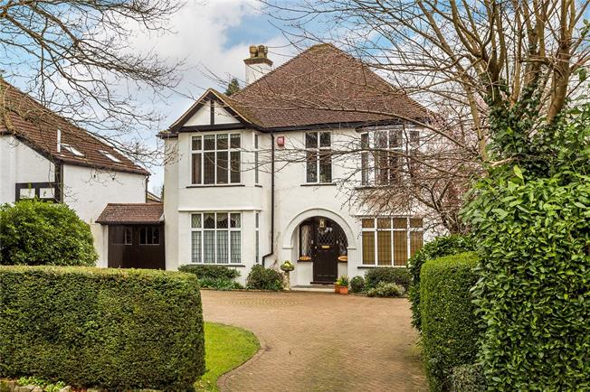 Guide Price £899,950, 4 Bedroom Detached House For Sale in Caterham, CR3