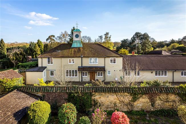 Guide Price £1,985,000, 7 Bedroom Detached House For Sale in Godstone, RH9