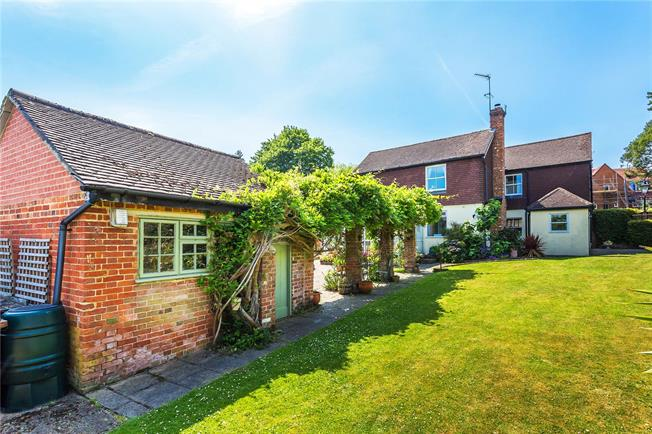 Guide Price £799,950, 4 Bedroom House For Sale in Bletchingley, RH1