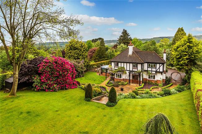 Asking Price £1,895,000, 5 Bedroom Detached House For Sale in Oxted, RH8