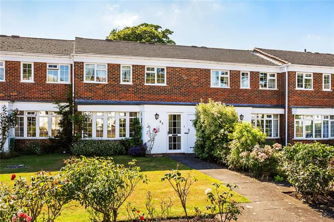 Guide Price £450,000, 3 Bedroom Terraced House For Sale in Kenley, CR8