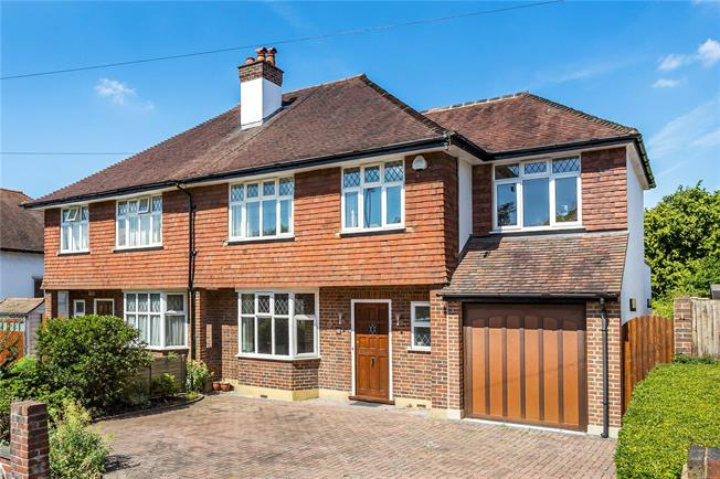Asking Price £650,000, 4 Bedroom Semi Detached House For Sale in South Croydon, CR2