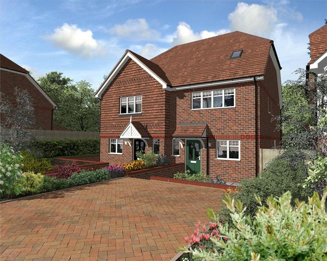 Asking Price £625,000, 3 Bedroom Semi Detached House For Sale in Caterham, Surrey, CR3