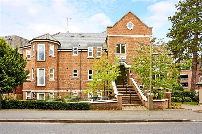 Asking Price £265,000, 1 Bedroom Flat For Sale in Caterham, CR3