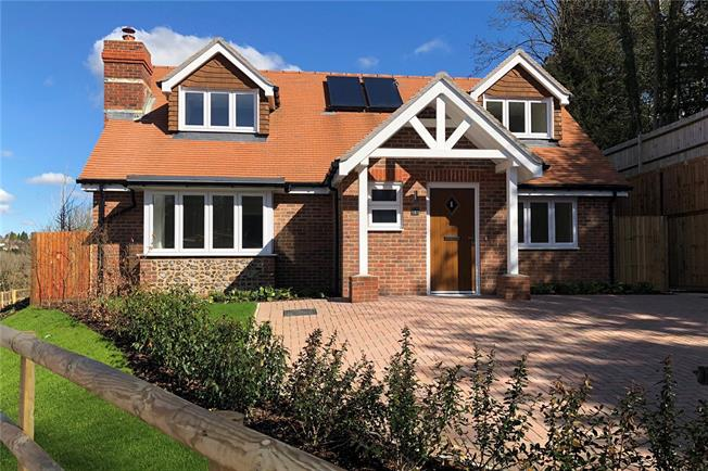 Asking Price £750,000, 3 Bedroom Bungalow For Sale in Caterham, Surrey, CR3