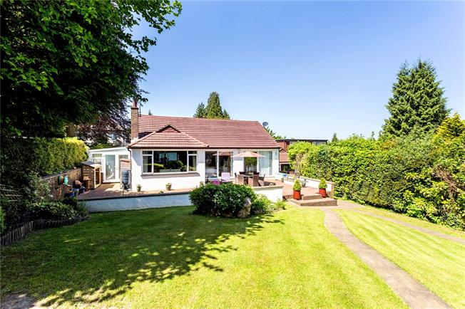 Guide Price £625,000, 3 Bedroom Bungalow For Sale in Kenley, CR8