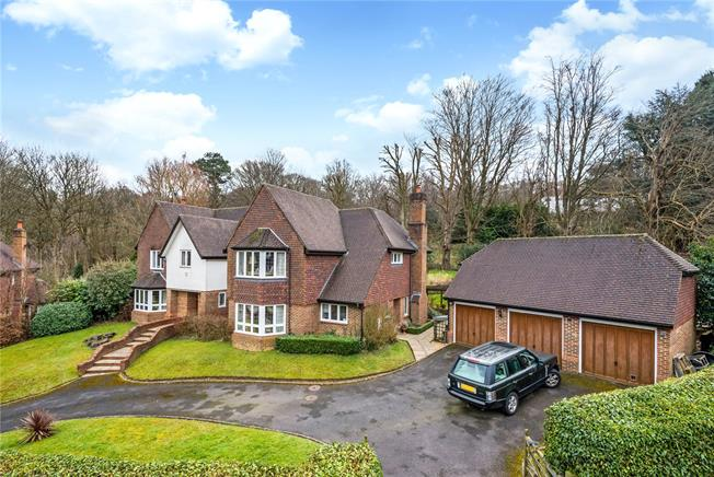 Guide Price £1,525,000, 5 Bedroom Detached House For Sale in Surrey, RH8